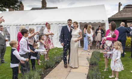 Hold bryllupsfesten i telt
