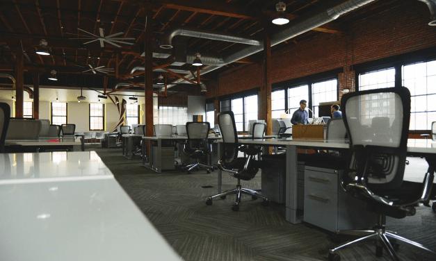 Hvilken kontorstol skal du vælge?